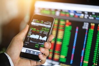 有力FX企業,月間データランキング,2019年8月