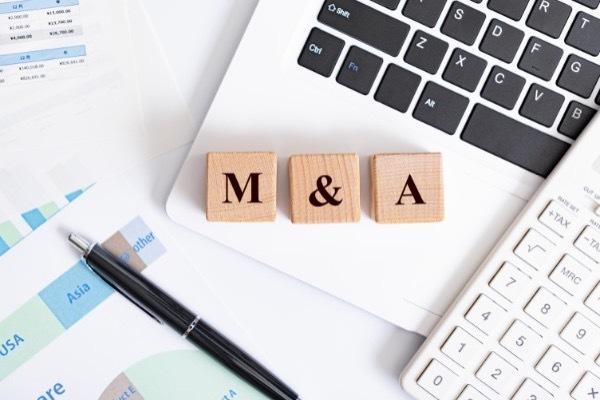 """""""M&A(エムアンドエー)とは?種類やメリット、成功の秘けつを一挙に紹介"""""""