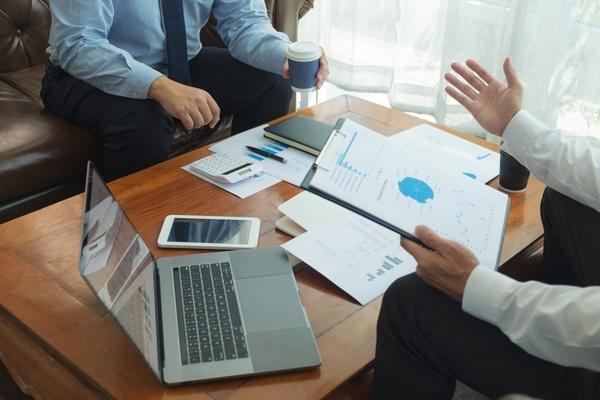 事業承継の相談先はどこがいい? 相談先別の特徴、強み・弱みを比較
