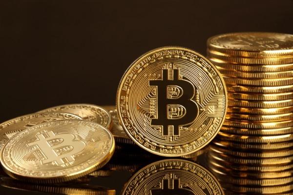 ビットコインは半年以内に1000万円の大台を突破する?! 期待できる4つの根拠